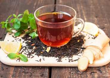 Спитой чай в качестве удобрения для цветов и овощей