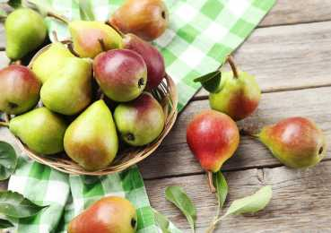 Классический компот и 5 рецептов ассорти с грушами