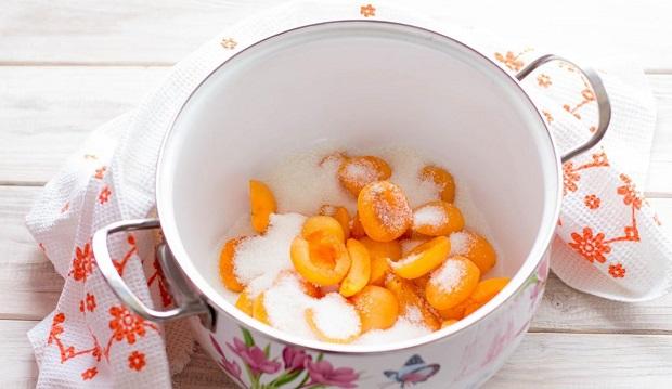 заготовка абрикосов в сиропе